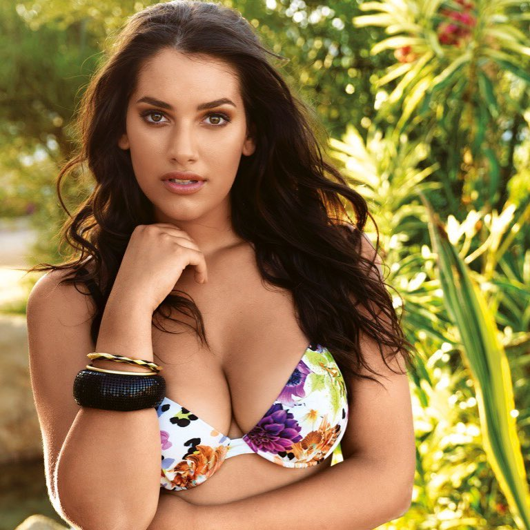 curvy brunette model Lorena Durán in a flower bikini